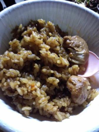 セネガル料理も食べられました!タンザニアのピラウみたい!