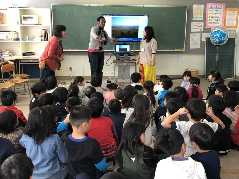 東陽小学校の2年生にお話ししました。