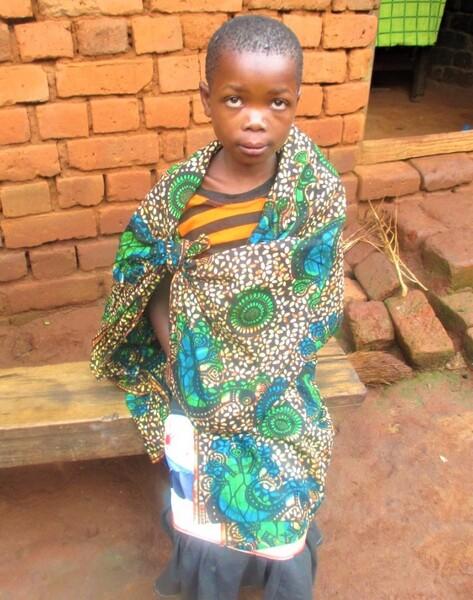 支援開始当初、小学4年生だった頃のテレシア