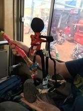 少年の手作りおもちゃ